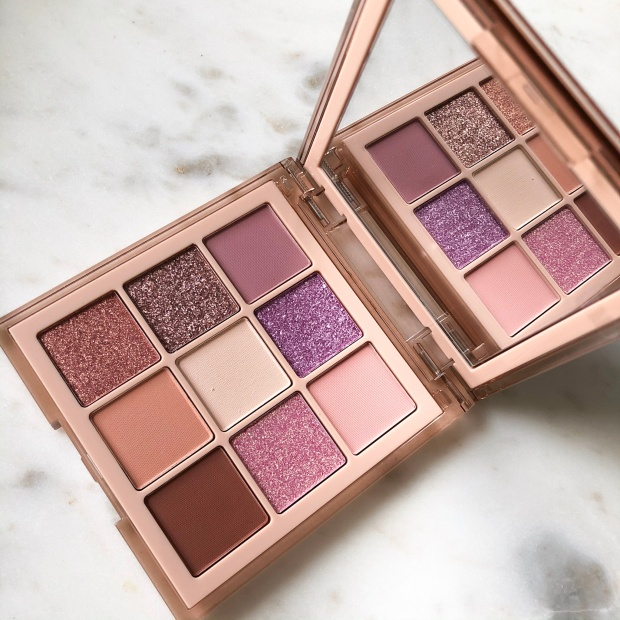 Huda Beauty Nude Light Eyeshadow Palette